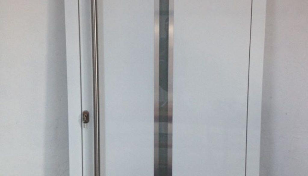porte-a-ouvrant-cache-aluminium-alumil