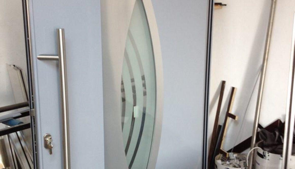 porte-a-ouvrant-cache-aluminium-alumil-2