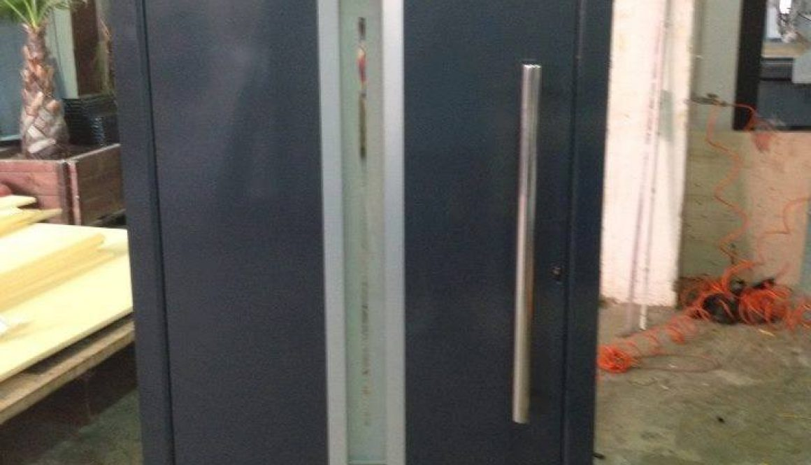 porte-a-ouvrant-cache-aluminium-alumil4