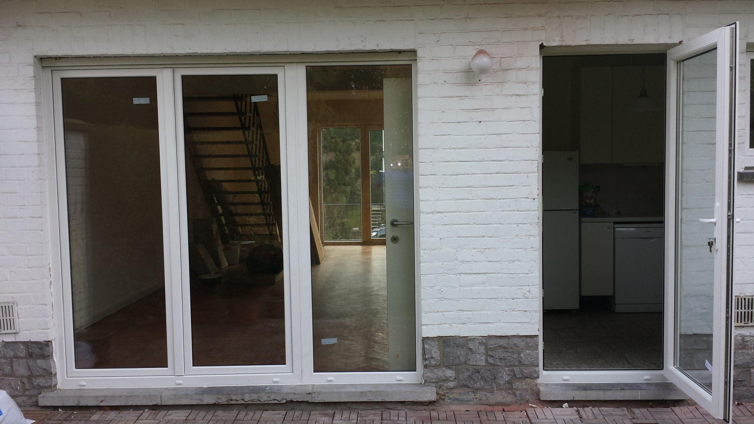 Porte fenetre pvc blanc ral 9016 vitrage securit chassis pvc - Voilage vitrage porte fenetre ...