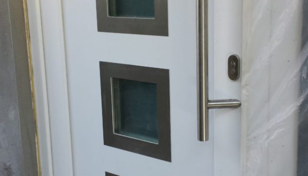 Porte PVC Gealan S8000 IQ avec panneau decoratif PORTABEL