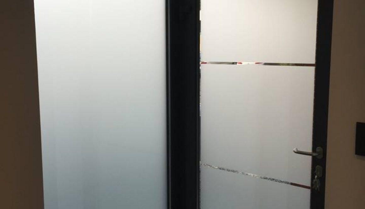 Porte PVC Gealan vitree avec vitrage opalin (mat) personalise