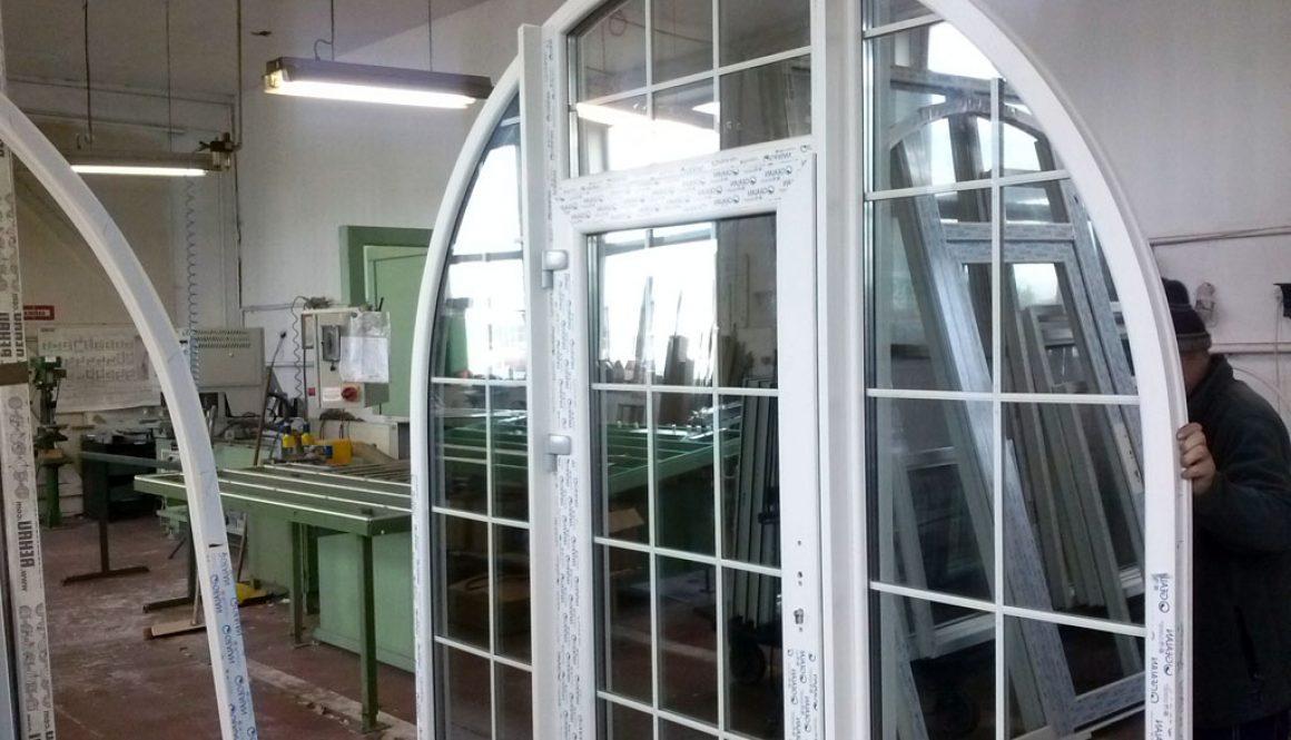 forme chassis pvc avec porte